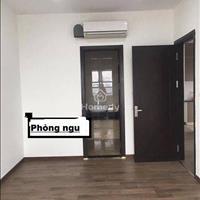 Cho thuê gấp căn hộ chung cư Star Tower 283 Khương Trung, 3 phòng ngủ, đồ cơ bản nhà đẹp