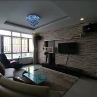Định cư nước ngoài cần bán gấp căn hộ chung cư Giai Việt đường Tạ Quang Bửu, 950 triệu, 85m2