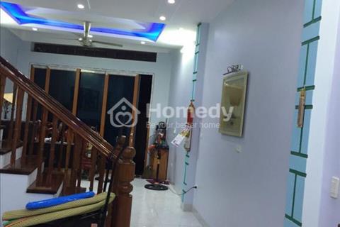 Cho thuê nhà riêng Võng Thị 50m2 x 5 tầng, ô tô đỗ cửa nhà mới xây