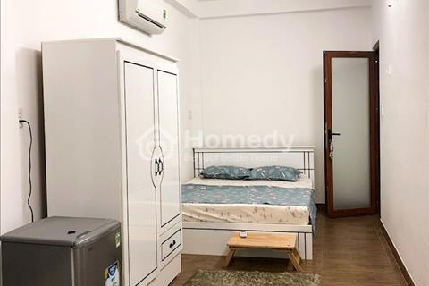 Chính chủ cho thuê căn hộ mini đầy đủ nội thất mới xây mặt tiền đường Võ Văn Kiệt, Quận 1