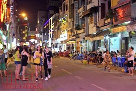 Cần cho thuê gấp khách sạn giá tốt, 27 phòng giá chỉ 253 triệu/tháng, quận 7, Phạm Văn Nghị