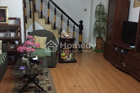 Cho thuê nhà 3 tầng Nguyễn Thiện Thuật Nha Trang, cách biển 300m