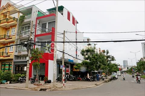 Cho thuê nhà góc 2 mặt tiền, ngay ngã tư Phú Thuận