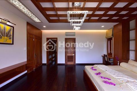 Bán biệt thự có hồ bơi, thang máy, view sông khu Sadeco ven sông Tân Phong, quận 7, giá rẻ