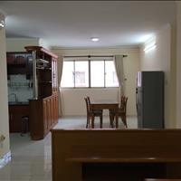 Cần cho thuê căn hộ 2 phòng ngủ, chung cư H3, quận 4, giá 12 triệu/tháng, 75m2, đầy đủ nội thất