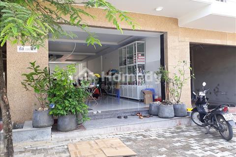 Nhà mới xây, có sẵn sổ hồng riêng,  5x20m, 1 trệt, 2 lầu, diện tích sử dụng 345m2
