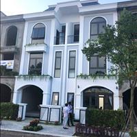 Bán nhà biệt thự Nguyễn Văn Bứa, Hóc Môn, 1 trệt 2 lầu, thanh toán 810 triệu, có sổ hồng riêng