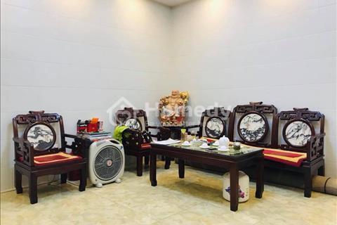 Nhà mặt phố Văn Cao, Ba Đình kinh doanh khủng, vỉa hè rộng, có sân vườn, gara ô tô