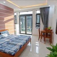 Căn hộ mini ban công, nhà mới 100%, ngay tại khu biệt thự Hoa Lan, Phú Nhuận