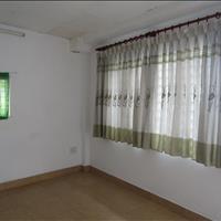 Phòng trọ máy lạnh, có cửa sổ, khu ăn uống tại Trường Chinh, ngay ngã tư Bảy Hiền, Tân Bình