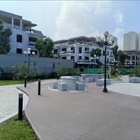 Cần bán căn biệt thự giá siêu tốt cạnh trường học mặt tiền 8m, đường 30m, view sân tennis hồ bơi