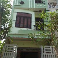 Bán nhà 1 trệt 2 lầu, 64m2, gần chợ Tân Phú, phường Tân Phú, quận 9, sổ hồng riêng