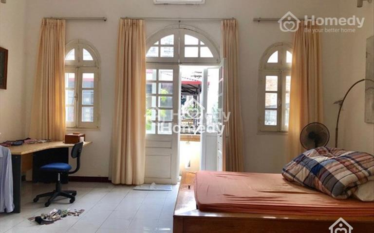 Cho thuê biệt thự khu ngoại giao Đặng Thai Mai, quận Tây Hồ, Hà Nội