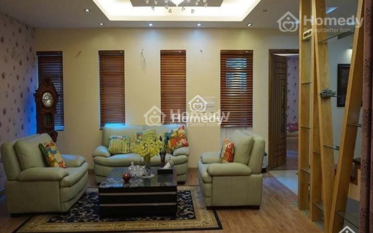 Cho thuê biệt thự nằm trong ngõ đường Tây Hồ, Quảng An