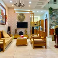 Bán gấp nhà phố Trần Quang Diệu, Đống Đa - Phân lô - Ô tô tránh, 65m2 mặt tiền 6m