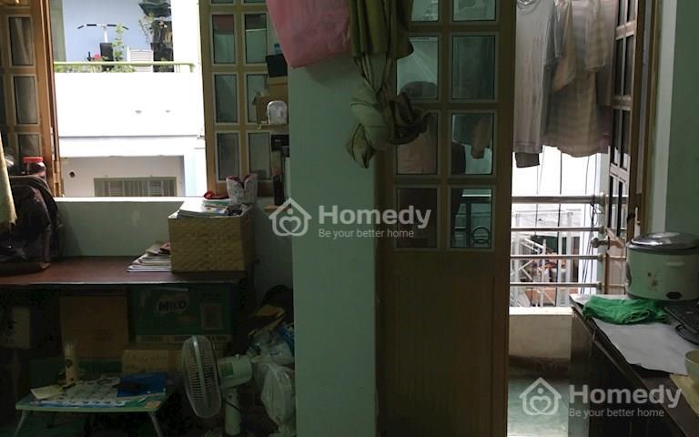Phòng 22m2, giờ tự do, có máy lạnh không chung chủ, ở được 2 - 5 người, wifi free, 3,5 triệu/tháng