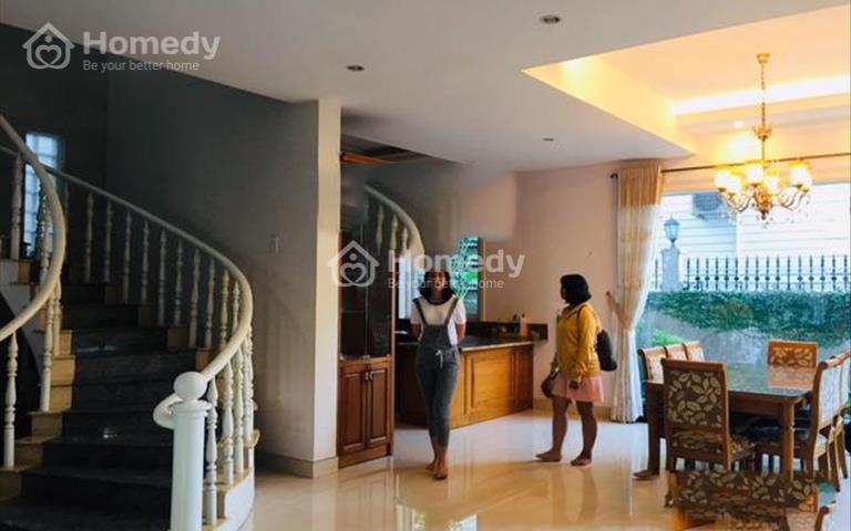 Cho thuê biệt thự Nam Thông, 140m2, 4 phòng ngủ, 4wc, sân vườn cực rộng, giá chỉ 1600 USD/tháng