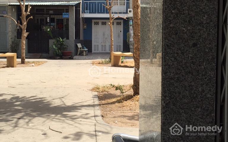 Bán nhà Thạch Lam, 1 trệt 1 lầu, 3 phòng ngủ gần trường học, khu an ninh không ngập