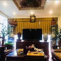 Ba Đình - Nhà đẹp - Dân trí cao - Phố Hoàng Hoa Thám, mặt tiền 5.6m - 8.4 tỷ