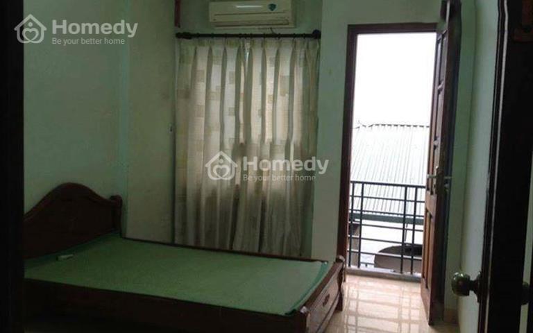 Cho thuê nhà 2 tầng, ở mặt ngõ Hào Nam giá 10 triệu/tháng