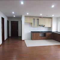 Cho thuê căn hộ 165 Thái Hà, 120m2, 3 phòng ngủ, đồ cơ bản, vào ở luôn