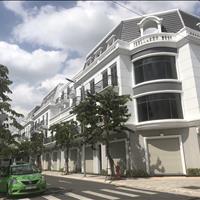 Nhà phố 1 trệt 2 lầu nằm ngay mặt tiền quốc lộ 1A, giá 1.2 tỷ/căn, chiết khấu 8%