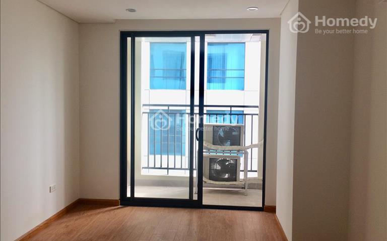 Ban quản lý Hong Kong Tower có căn hộ 2 phòng ngủ cần cho thuê