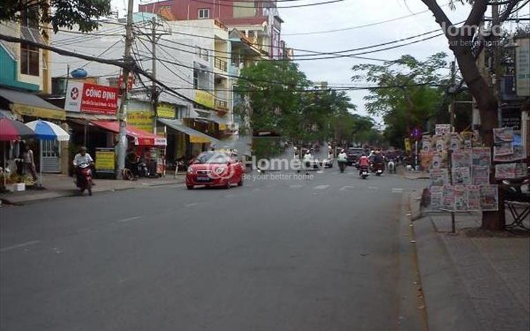 Cho thuê nhà mặt tiền kinh doanh đường Tân Sơn Nhì, diện tích 4 x 19m