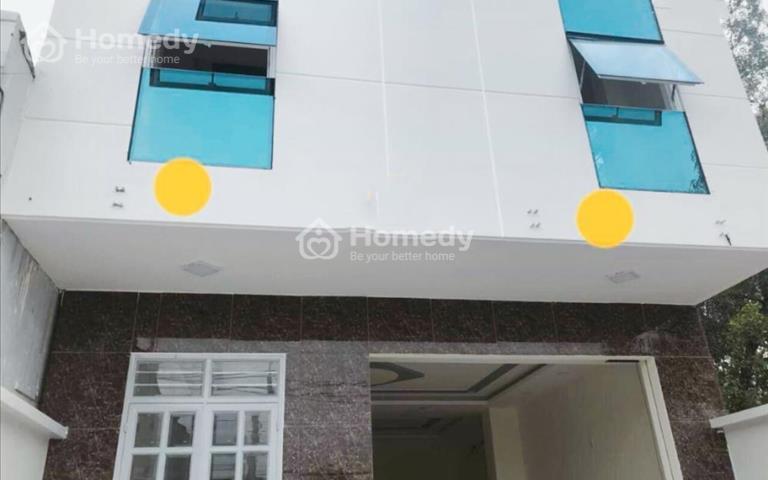 Cho thuê nhà 3 tầng mặt tiền Phạm Văn Đồng, 5 x 25m, giá 45 triệu/tháng