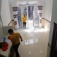 Cần bán nhà 1 trệt 1 lầu mới 100%, 2 phòng ngủ, 50m2, giá chỉ 750 triệu, ngày gần chợ Bình Chánh