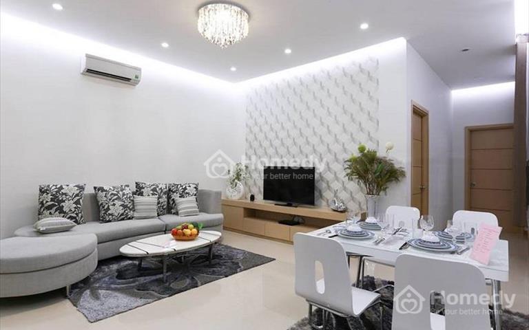 Chính chủ cần bán căn hộ Oriental Plaza, diện tích 105m2, 3 phòng ngủ