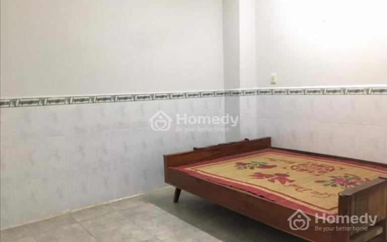 Cho thuê nhà phường Hiệp Thành, Thủ Dầu Một, có 2 phòng ngủ, sân đậu xe hơi, giá 6 triệu/tháng