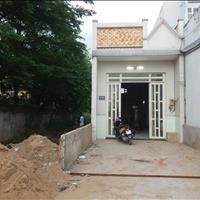 Cần tiền bán gấp căn nhà đang cho thuê đường Nguyễn Thị Sóc, gần chợ, 64m2