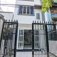 Bán nhà mới 4 x 10m, ngay chợ Hưng Long giá rẻ