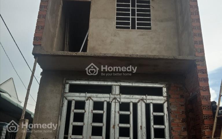Bán nhà mới 1 trệt 1 lầu, 2 mặt tiền, giá 660 triệu, KP4 trảng Dài