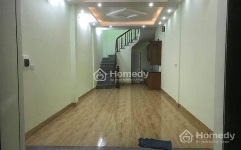 Nhà 5 tầng Vĩnh Hưng, Quận Hoàng Mai, ô tô vào nhà, giá 2,85 tỷ