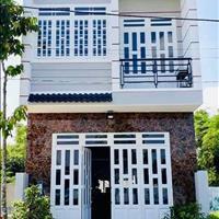 Cần tiền bán gấp nhà gần chợ Bình Chánh, nhà đang cho thuê 14 triệu/tháng