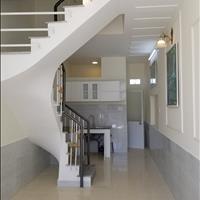 Nhà sổ hồng đứng tên ngay Thạnh Lộc 31, 1 căn duy nhất giá 990 triệu, tường riêng đúc thật 2PN, 2wc
