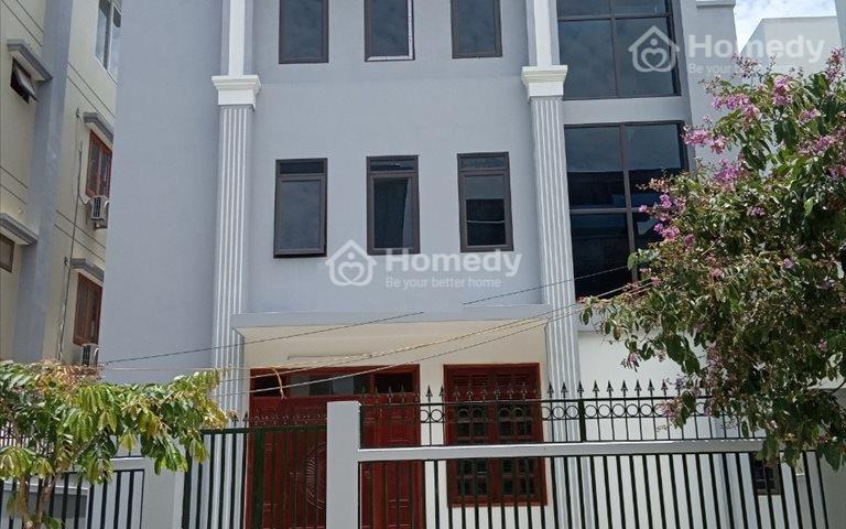 Cho thuê gấp nhà A10 Nguyễn Chánh, 75m2 x 4.5 tầng, thông sàn