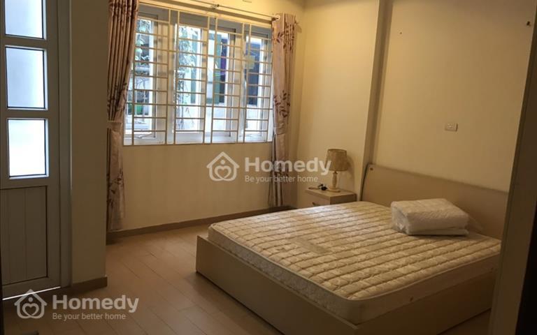 Cho thuê căn hộ 105m2 ngõ 96 Đê La Thành nhỏ full đồ nội thất