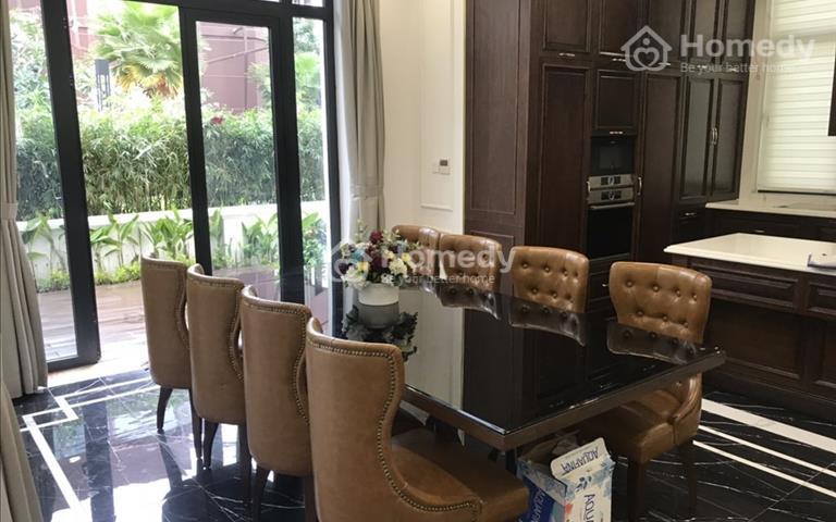 Cho thuê Villa - View sông Sài Gòn, vị trí trung tâm 1 trệt 3 lầu và 1 tầng hầm, sân vườn