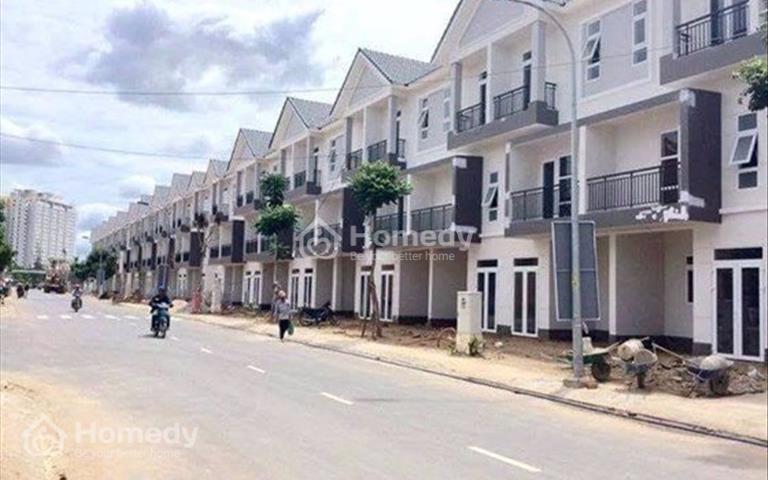 Mở bán 49 căn nhà phố mới xây MT Quốc Lộ 13 gần TP mới Bình Dương giá 680tr/căn 100m2, SHR, CK 5%