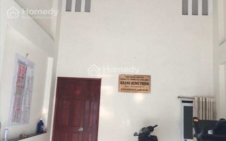 Cho thuê nhà mặt tiền đường Nguyễn Ảnh Thủ, 3 phòng ngủ, diện tích 4,5 x 13m