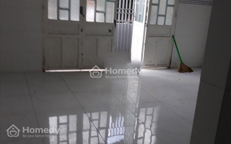 Cho thuê nhà nguyên căn 100m2 hẻm đường Tân Liêm, Phong Phú, Bình Chánh giá 4 triệu/tháng