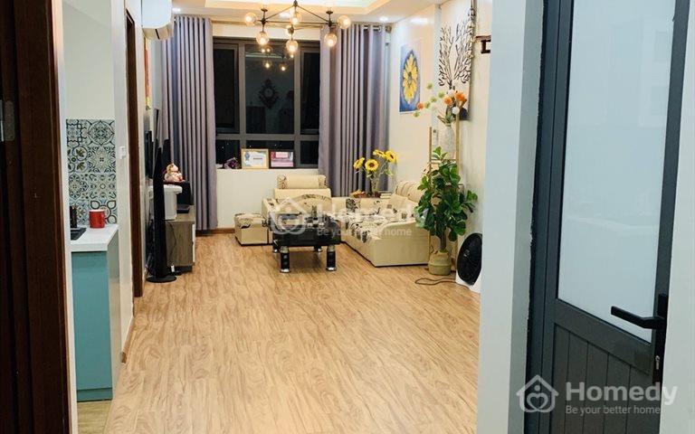 Cho thuê căn hộ 3 phòng ngủ chung cư 36 Hoàng Quốc Việt