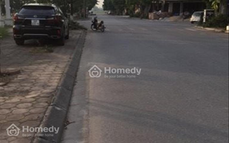 Bán mảnh đất 68m2 vị trí kinh doanh, mặt đường rộng 15m tại khu tái định cư Giang Biên, Long Biên
