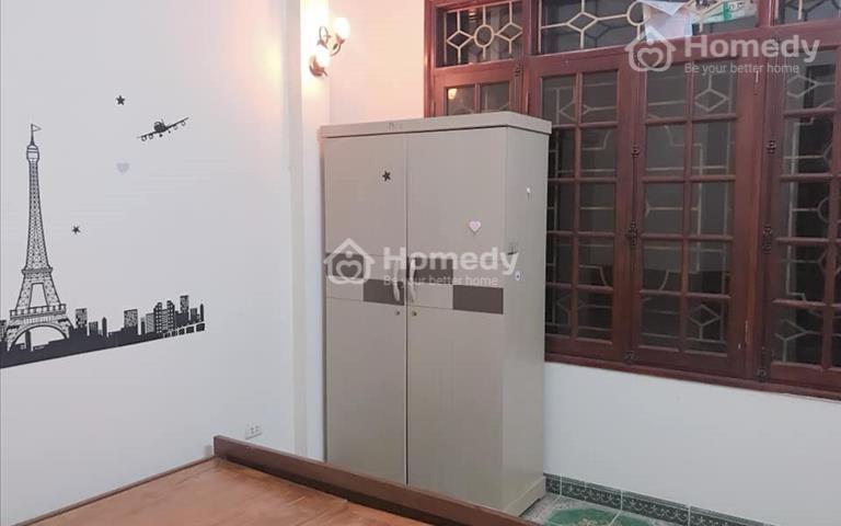 Số 20E ngõ 105 Láng Hạ có phòng điều hòa giá từ 2,5 - 3,5 triệu/1 tháng gần rạp chiếu phim