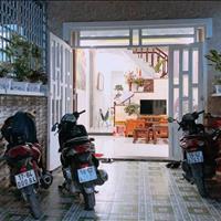 Chính chủ bán nhà 1 trệt 1 lầu đường Hà Huy Giáp, Quận 12, sổ riêng, 950 triệu