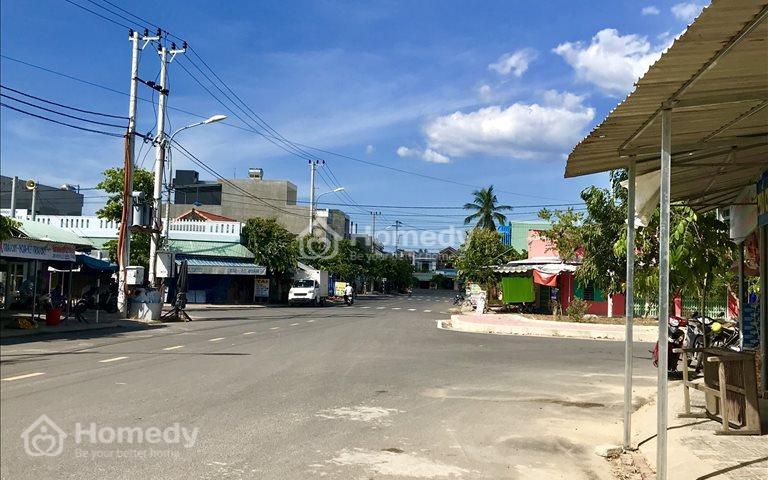 Bán nhanh hai lô mặt tiền đường 10,5m, trung tâm khu phố chợ và gần trạm thu phí Điện Bàn