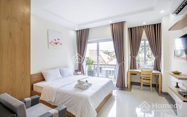 Cho thuê căn hộ 1 phòng ngủ ban công cao cấp, ngay cầu vượt Nguyễn Tri Phương, quận 5